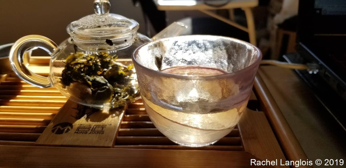 Dégustation d'un thé blanc aromatisé